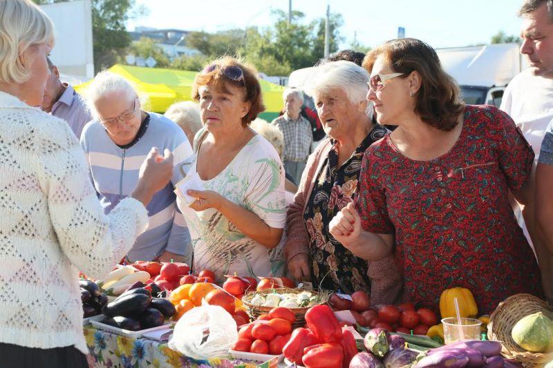 ВАстрахани неменее 70 хозяйств и учреждений приняли участие вярмарке